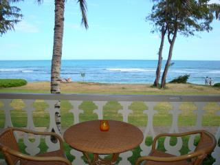 Unit 251...Absolute Beachfront & Oceanfront Condotel...Enjoy oceanfront dining. - Islander on the Beach # 251: A Beachfront Condotel - Kapaa - rentals