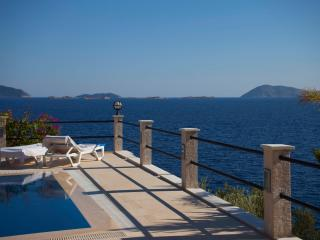 Villa Escalade-Coastfront-Private Pool-Sea Access - Kas vacation rentals