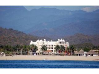 Oceanfront Luxury Condo - Close to Everything! - Oaxaca State vacation rentals