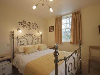 Baille Hill House - Townhouse in York Sleeps 10 - Edinburgh vacation rentals