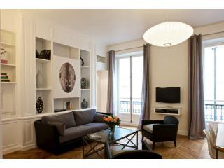Living Room View One - Saint-Germain Chic Two Bedroom - 6th Arrondissement Luxembourg - rentals