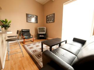 Superior 2 - Niagara Falls vacation rentals