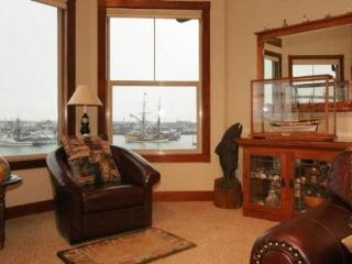 #304/1 - Top Floor Harborfront Home - Southern Washington Coast vacation rentals