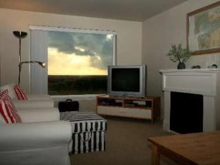 #512/1 - Ground Floor Ocean View Home - Westport vacation rentals