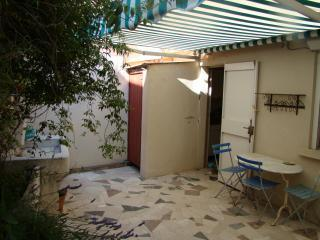 tiny house Cassis, France to rent weekly - Paisley vacation rentals