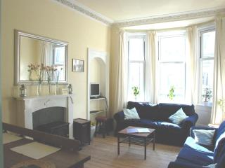 AJEM 142 Easter Road Apartment 4 - Edinburgh vacation rentals