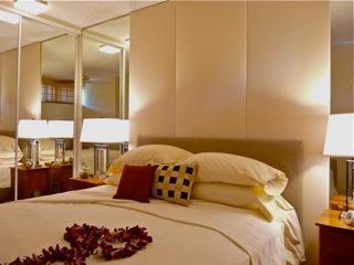 Luxurious queen bed with memory foam - Hibiscus House - Spectacular sunsets from lanai! - Lahaina - rentals