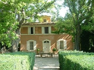 Aix-en-Provence 5 Bedroom, 4 Bathroom House (25584) - Aix-en-Provence vacation rentals