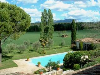 Aix-en-Provence 4 Bedroom & 4 Bathroom House (27955) - Aix-en-Provence vacation rentals