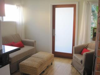 Great Cottage, Centrally located, Walk Everywhere - West Hollywood vacation rentals