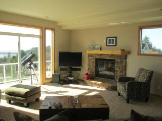 Beach View Terrace  sleeps 12+ with Ping Pong - Oregon Coast vacation rentals