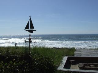 Seafarer's Cabin,beachfront with Crows Nest,Oregon - Oceanside vacation rentals