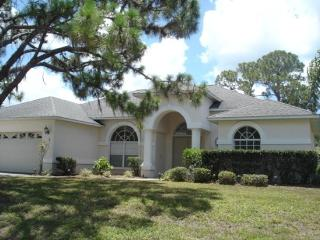 Colonial - spacious pool home mins to the beach - Englewood vacation rentals