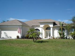 Lake Marlin 5 - lakeside pool home mins to beaches - Port Charlotte vacation rentals