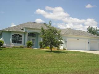Kingfishers - lake home with pool and spa - Port Charlotte vacation rentals