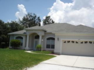 Lemon 3 - walk to beach with extra large pool - Image 1 - Englewood - rentals