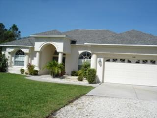Lemon 7 - walk to beach home with pool and spa - Image 1 - Englewood - rentals