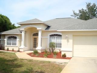 Lemon 9 - stroll to Manasota beach, pool home - Image 1 - Englewood - rentals