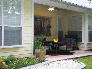 Cherry Street B&B Private Hot Tub, Jacuzzi, FP - Fredericksburg vacation rentals