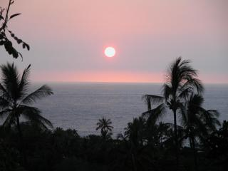 Panoramic Ocean View Gem - Luxury at a Bargain! - Kailua-Kona vacation rentals