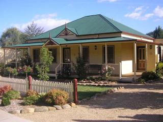 Great cottage, Great location, Great value! - Victoria vacation rentals