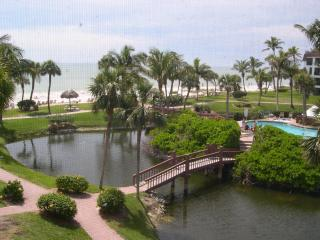 Pointe Santo E31: Corner Unit Close to Beach - Sanibel Island vacation rentals