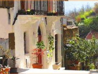 Beautiful Self Catering Holiday Apartment, Abruzzo - Sulmona vacation rentals