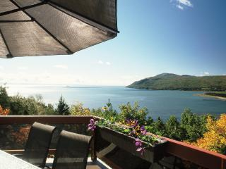 Breathtaking view of the river and the hills - Quebec vacation rentals