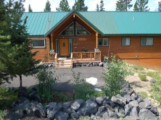 Mountain Lake Home with Hot Tub - Central Oregon vacation rentals