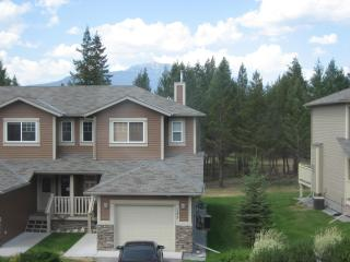Large Eagle Crest Townhome located on