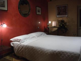 Very Elegant Studio in Rome - Colosseum - Lazio vacation rentals