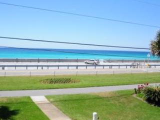 Blue Surf Unit #1 **VACATION FOR YOUR BUDGET**BETWEEN NOW AND 4/30/2014***AWESOME, UPGRADED CONDO** ENJOY THIS BEAUTIFUL CONDO,  - Destin vacation rentals