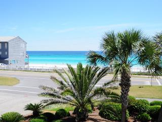 Gulf Winds #9 **DISCOUNTED SPRING RATES - EMAIL US TODAY***NEW FLOORING, FRESHLY PAINTED, NEW UPGRADES** GREAT UNIT, JUST STEPS  - Destin vacation rentals