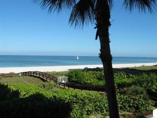 Somerset #213 Beautiful beachfront Remodeled 2/2 - Marco Island vacation rentals