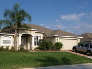 RATED EXCELLENT & TOP VACATION RENTAL 2011,12 & 13 - Disney vacation rentals
