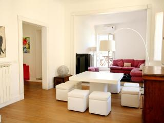 Luxury bright apt with terrace in Piazza di Spagna - Rome vacation rentals