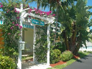Pineapple Place Apartment Homes - Walk to Beach - Pompano Beach vacation rentals