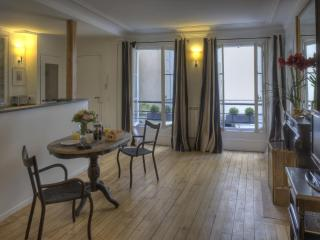 Saint-Germain Enchanting One Bedroom - 6th Arrondissement Luxembourg vacation rentals