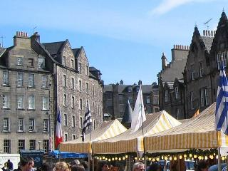 Greyfriar's Attic Apartment Edinburgh Old Town - Edinburgh & Lothians vacation rentals