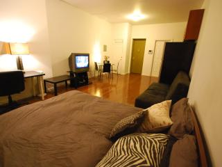 Big studio in Times Square for 6 people MAX - New York City vacation rentals