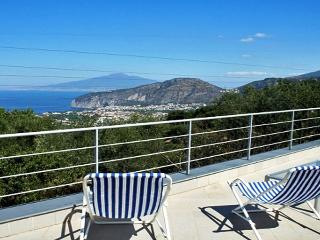 VILLA SUI COLLI - 2 Bedrooms - Sorrento hill - Massa Lubrense vacation rentals