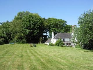 Charming Coastal Cottage Moylgrove, Pembrokeshire - Pembrokeshire vacation rentals