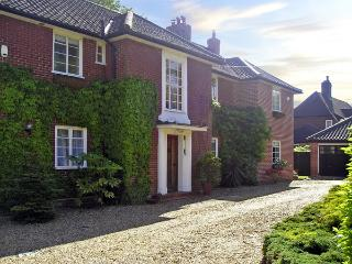 THE ANNEXE, country holiday cottage, with a garden in Norwich, Ref 4039 - Norfolk vacation rentals