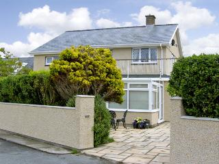 HAFOD-Y-MORFA, pet friendly, with a garden in Harlech, Ref 4037 - Harlech vacation rentals