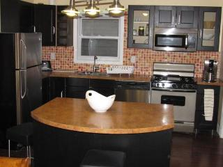 NYC across the river 3 bedrooms/2bath apartment - Greater New York Area vacation rentals