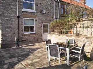 WAYSIDE COTTAGE, family friendly, country holiday cottage, with a garden in Wrelton, Ref 4109 - Wrelton vacation rentals