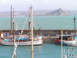 Luxury Harbour & Sea View Apartment No.3 Cornwall - Penzance vacation rentals