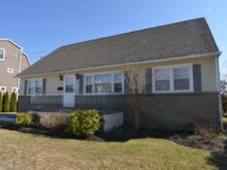 Idyllic House with 4 BR & 3 BA in Cape May (Second Wind 3909) - Image 1 - Cape May - rentals