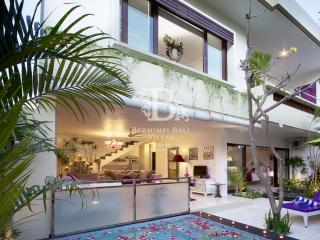 Bermimpi Platinum 2 Bedroom Beach Living Seminyak - Seminyak vacation rentals