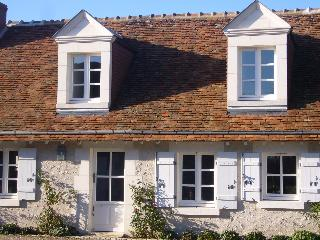 A Cosy French Cottage in the Grand Chateaux Area - Loire Valley vacation rentals